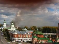 В Йошкар-Оле горит заброшенное здание на улице Вознесенской
